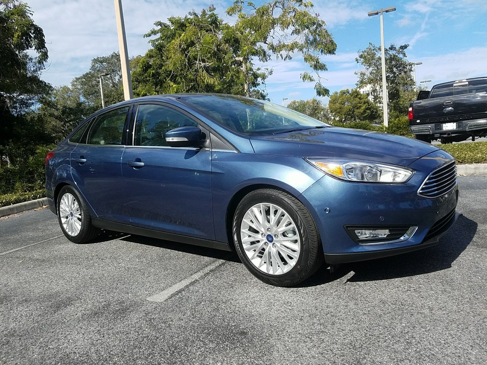 titanium new fwd focus ford inventory baxter car