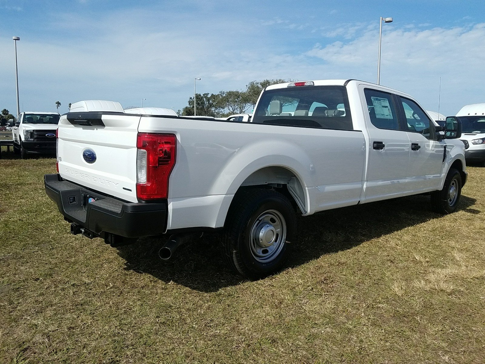 New 2018 Ford Super Duty F 350 SRW XL Crew Cab Pickup in Sarasota
