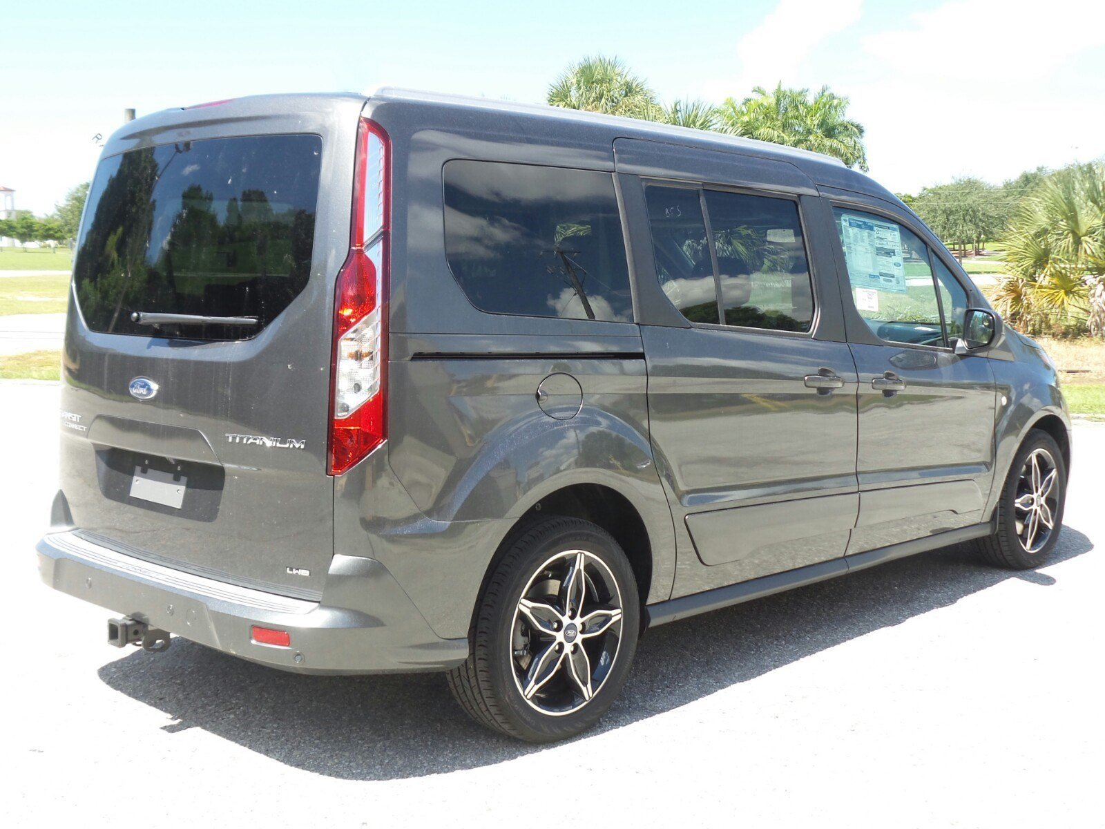 New 2017 ford transit connect wagon titanium