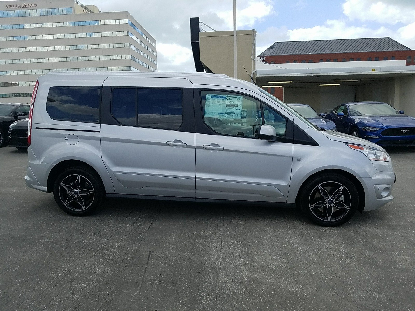 New 2018 Ford Transit Connect Wagon Titanium Full size Passenger Van